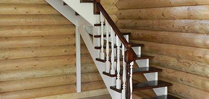 Как и чем покрасить деревянную лестницу в доме
