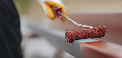 Как красить металлические поверхности?